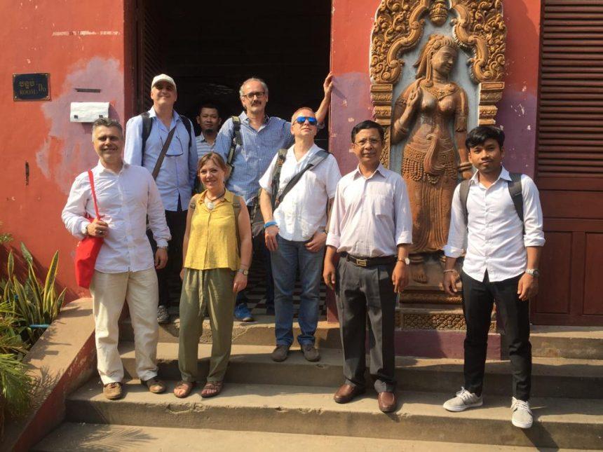 Visita delegación de Camboia