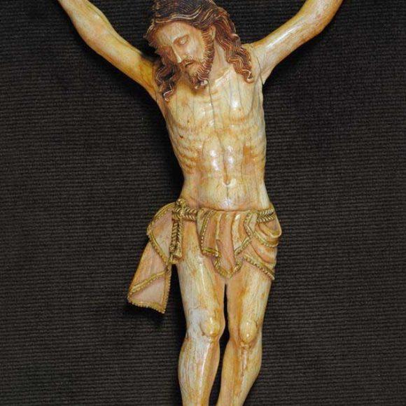 Cristo de marfil